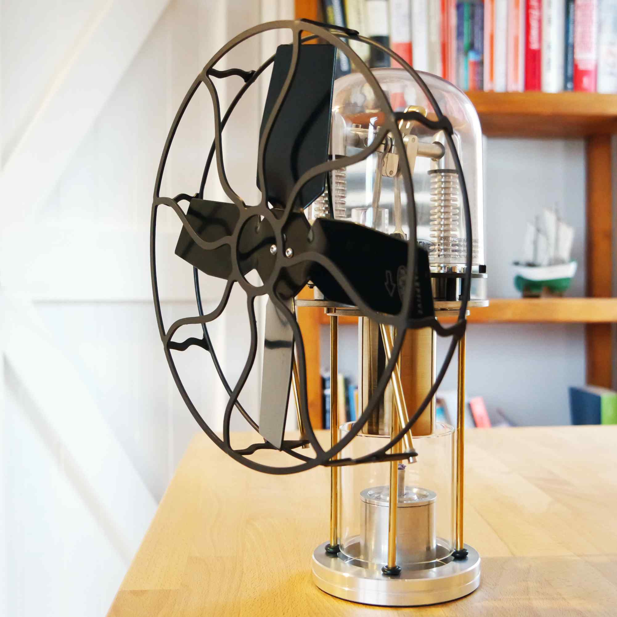 Compact Stirling engine fan